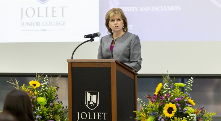 Dr. Mitchell addressing audience at State of the College